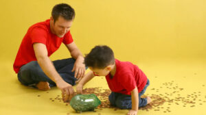 What-Are-The-Pros-And-Cons-Of-Giving-Pocket-Money-To-The-Kids